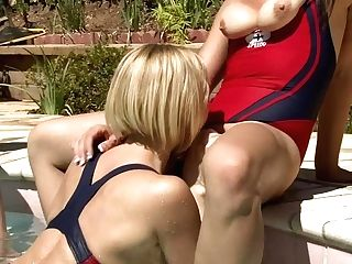 All Girl Hump By The Pool With Kagney Linn Karter